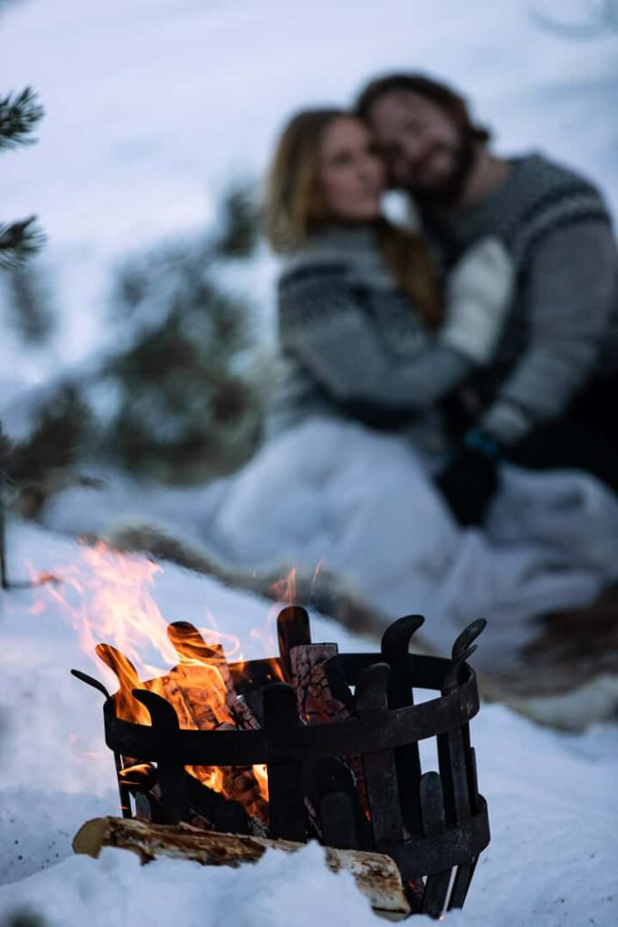elopement-picnic-fire-winter-wedding