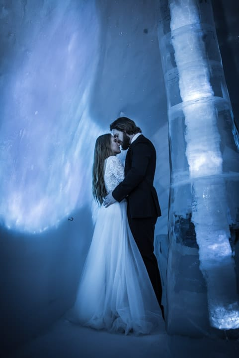 most-amazing-elopement-location-winter-wedding-photographer