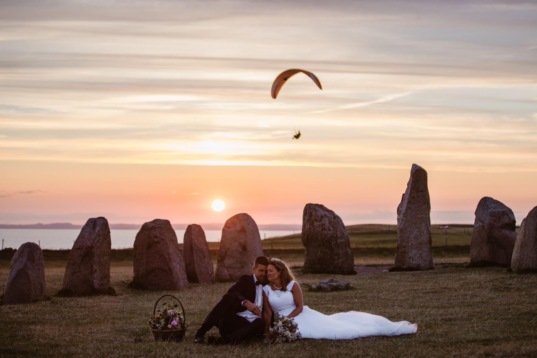 Ales-stenar-bröllop-österlen-skyadventure-skärmflyg