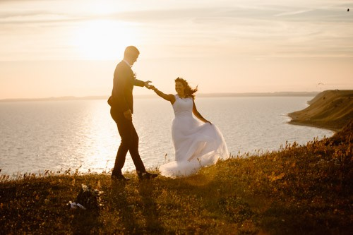 bröllopsdans-Ales stenar-österlen-bröllop-elopement-photographer-Sweden