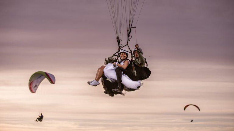 skärmflyg-bröllop-Hammars backar-skyadventure-paragliding-wedding-elopement