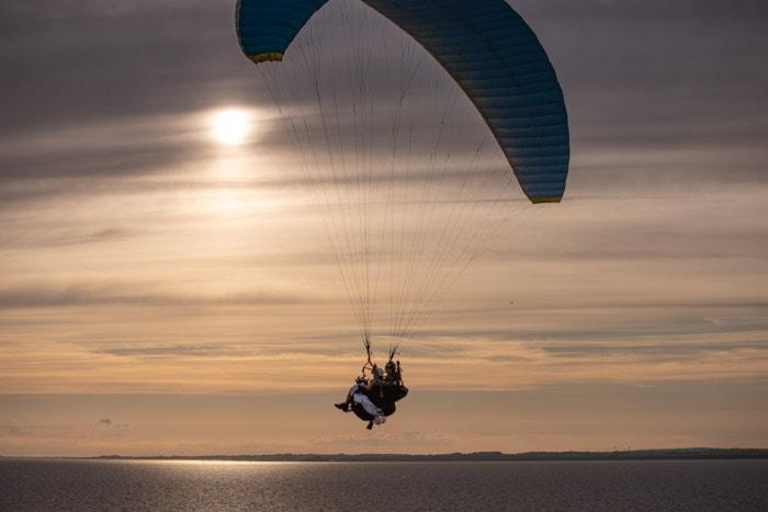 solnedgång-skärmflyg-österlen-skyadventures