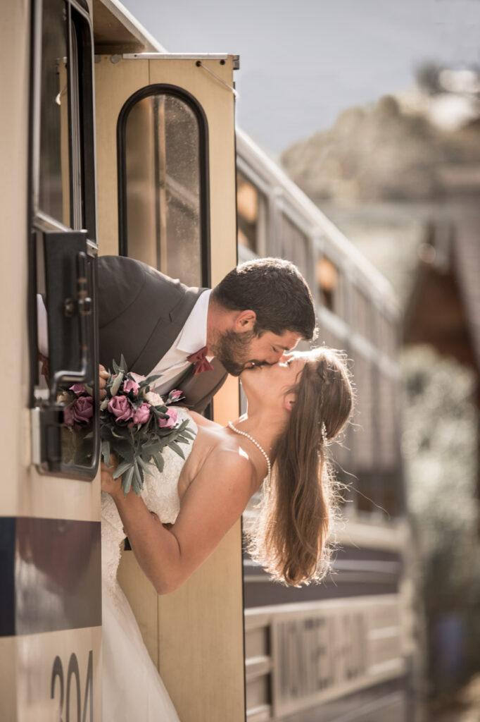 MOB-train-Rochers de Naye-elopement-wedding-mariage-Montreux