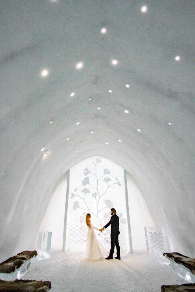 wedding-ceremony-hall-elopement-icehotel-best-location