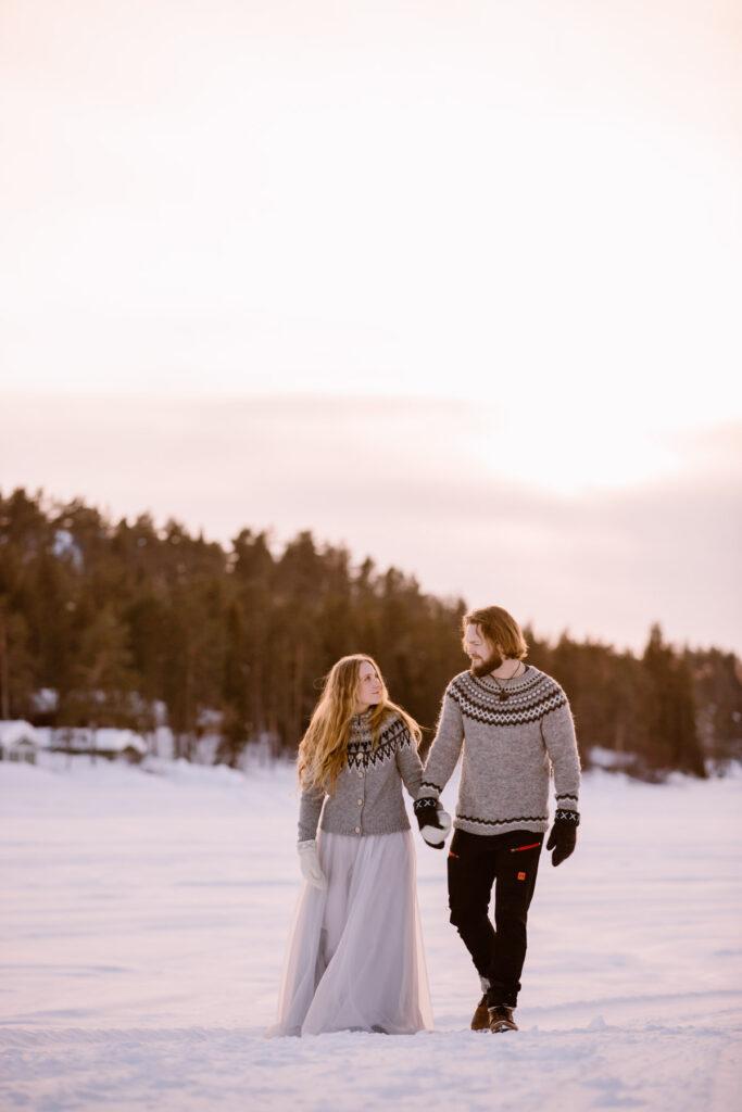 winter-wedding-elopement-sunset-photoshoot