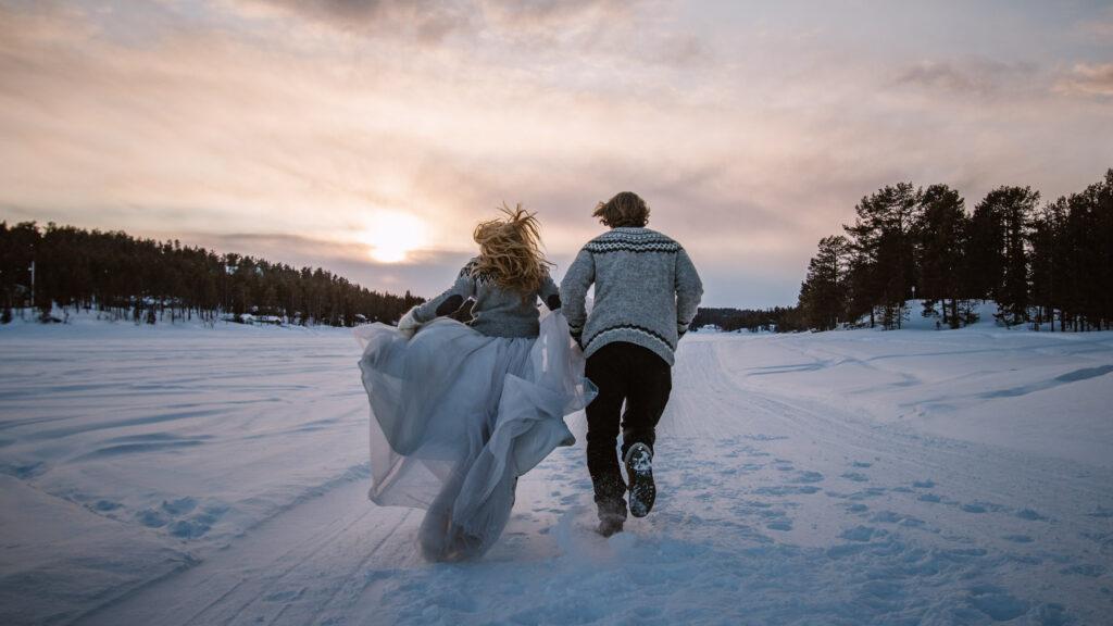 run-away-elopement-winter-wedding-Europe