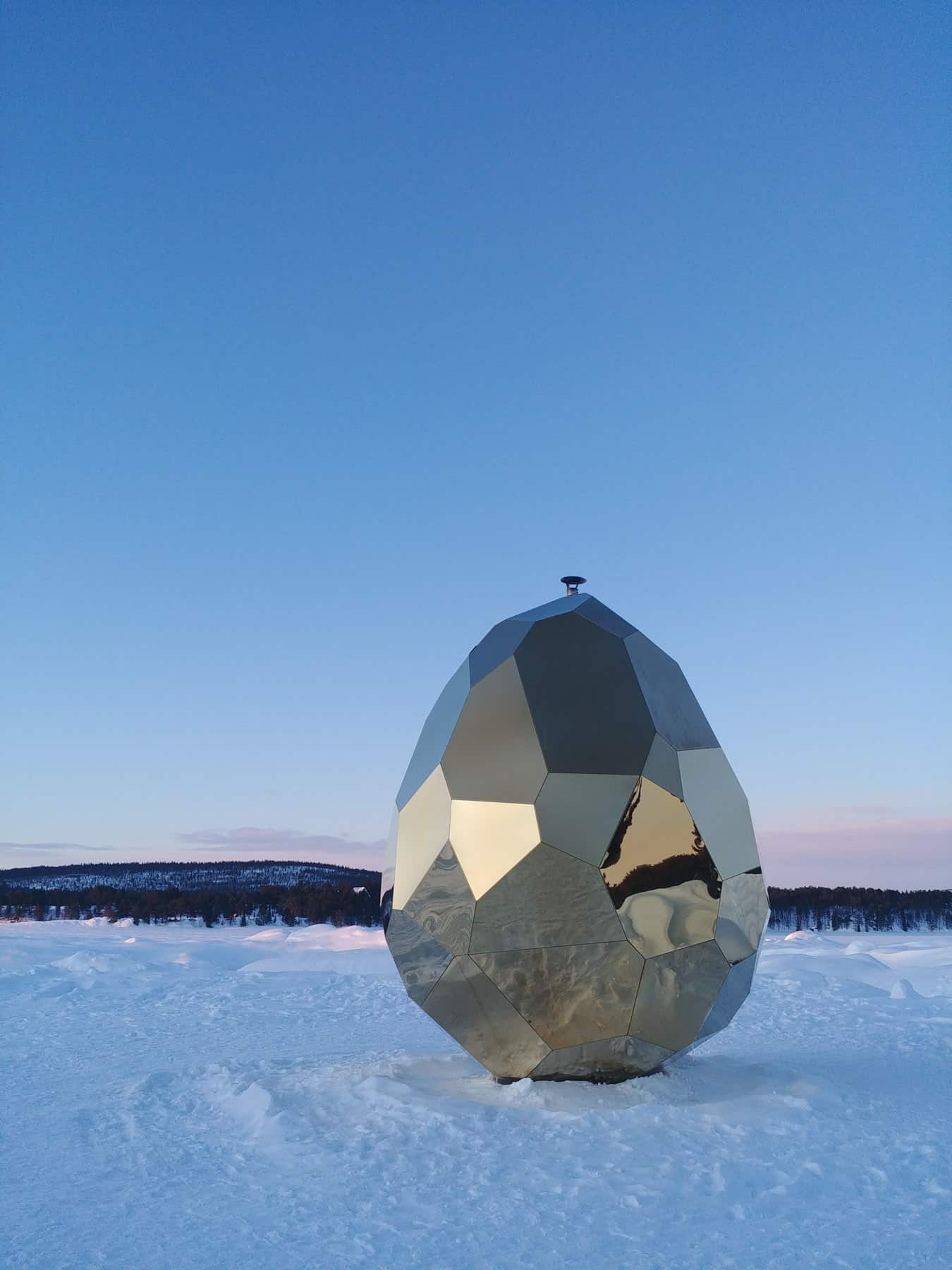 solar-egg-Ishotellet