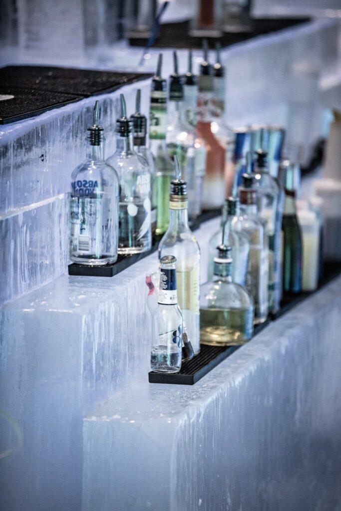 icehotel-bar-icebar