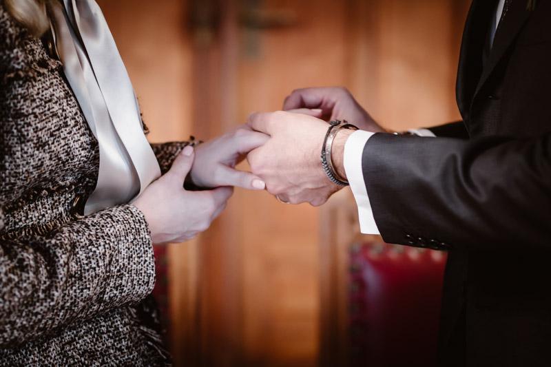 civil-wedding-ceremony-Lausanne-photographer