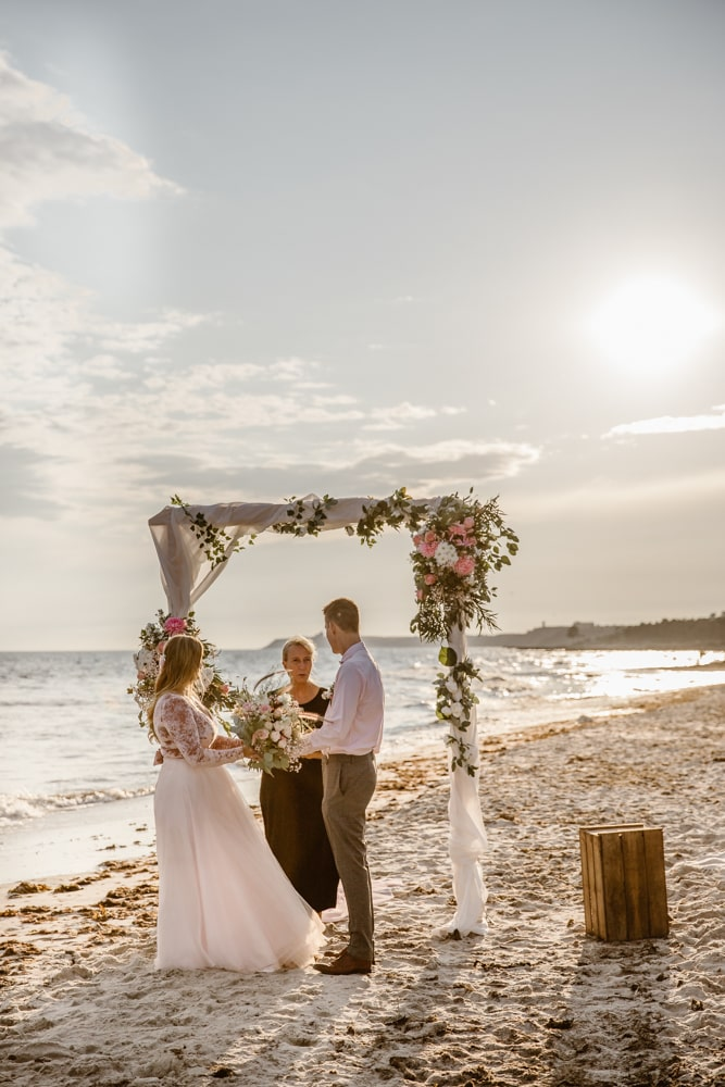 bröllopsbåge-strandbröllop