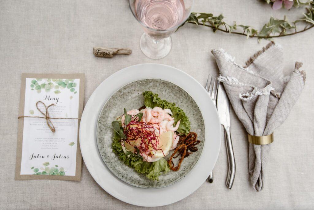 bröllopsdukning-romantisk-bohemisk