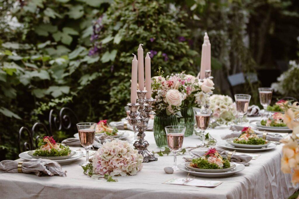 orangeri-bröllopsdukning-backagården